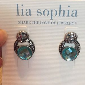 NWT Lia Sophia earrings